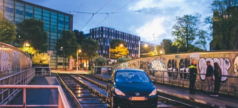 """French driver """"breaks Olympic record"""" for driving on tram lines on Mr. Visserplein"""